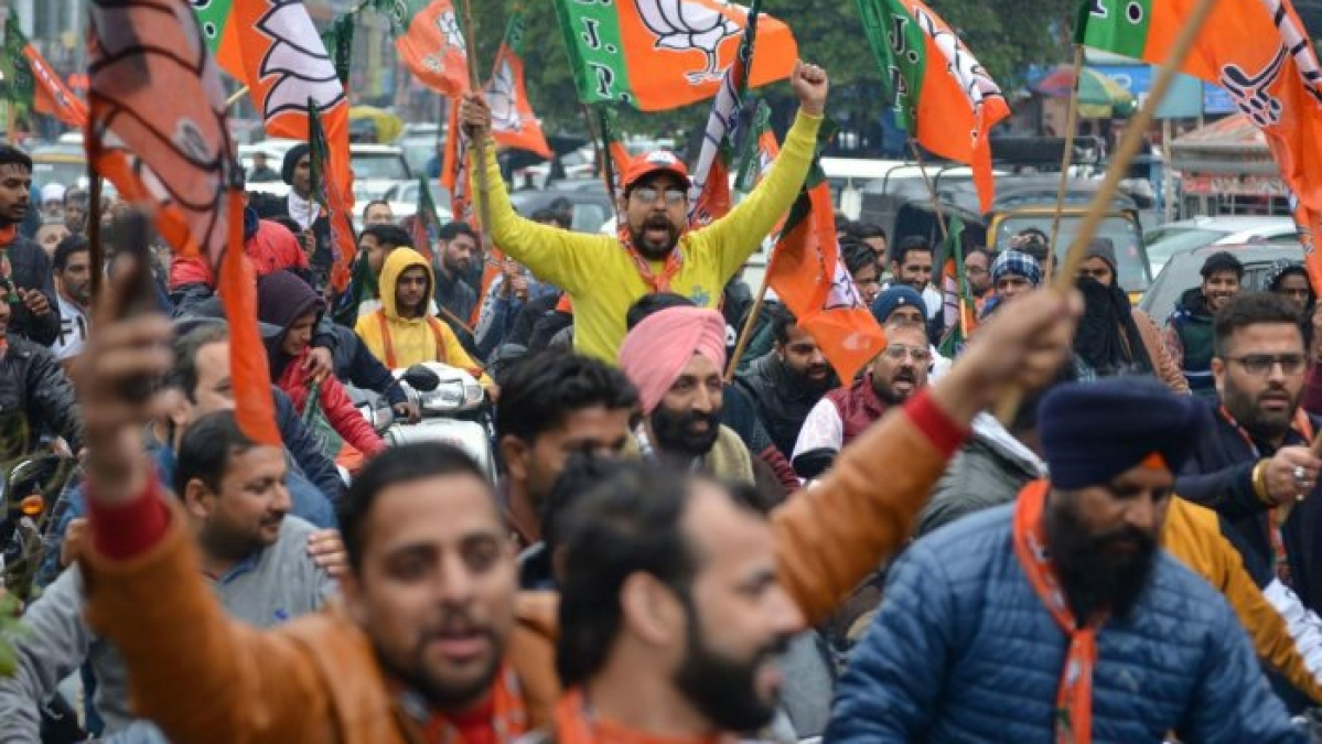 Several injured in clashes as police stop BJP bike rally in Bengal