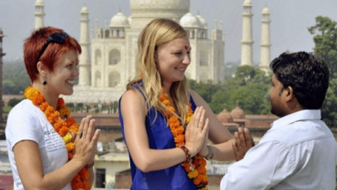 Indian tour operators woo foreigners for poll tourism  before upcoming elections