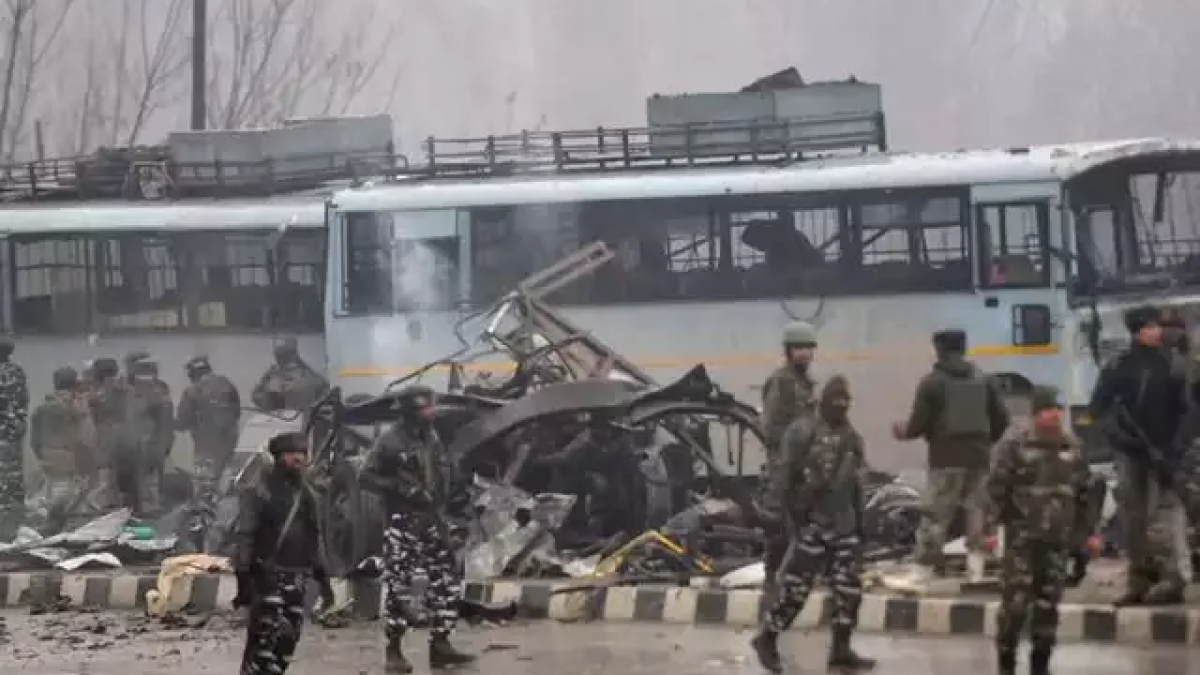 NIA arrests father-daughter duo for sheltering Pulwama bomber