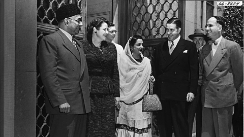 Begum Liaquat Ali Khan meets President of MIT; image shows Liaquat Ali Khan, Mrs. Killian, Begum Liaquat Ali Khan, James Rhyne Killian (from left to right)