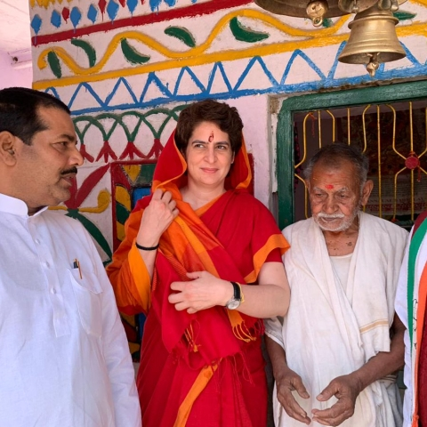 LIVE news updates: Priyanka Gandhi  offers prayers temple and Dargah