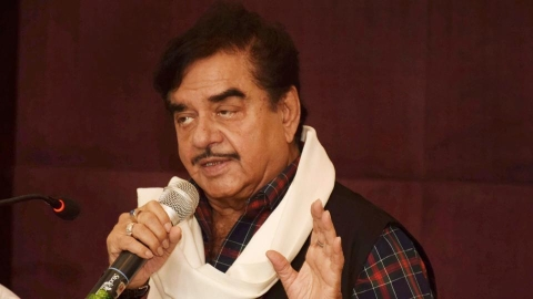 Confirmed: Shatrughan Sinha set to join Congress on March 28
