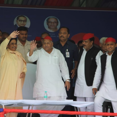 Lok Sabha Election 2019 LIVE: Mulayam Singh Yadav is not fake OBC like PM Modi, says Mayawati in Mainpuri