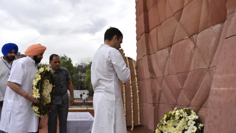 Jallianwala Bagh massacre centenary: Rahul Gandhi pays tribute, hundreds of people hold candlelight march