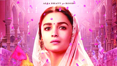 Alia stands by Karan as 'Kalank' gets slammed