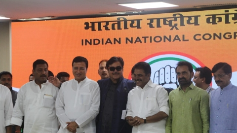 Lok Sabha polls: BJP rebel Shatrughan Sinha joins Congress on BJP's foundation day