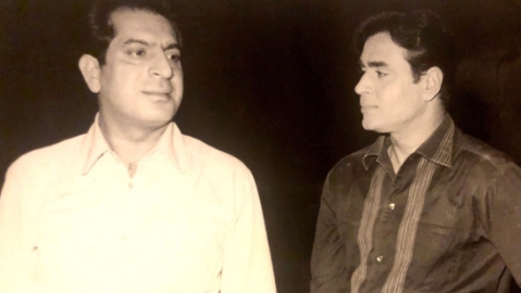 O P Ralhan (left) with actor Rajendra Kumar (Twitter)