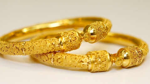 Gold price may rise to all time high due to global worries, weakening of rupee: Analysts