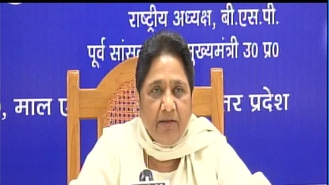 Mayawati seeks ban on temple visits