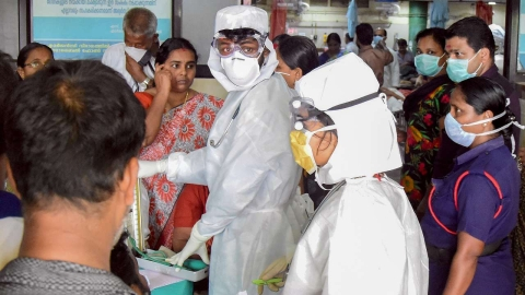 Medics attending to patients infected with Nipah virus stand risk of getting infected themselves.