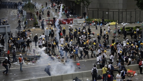 China extradition clashes plunge Hong Kong into historic violence