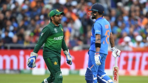 India post 336/5; Pakistan struggles at 166/6 in 35 overs