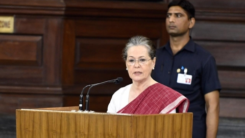 Sonia Gandhi: RTI on brink of extinction, Central govt wants to subvert Act