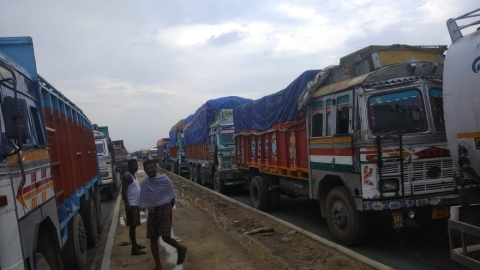 'Indefinite blockade' on Indo-Nepal border in Bihar cripples trade