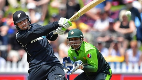 Pakistan faces battle of survival against rampaging New Zealand