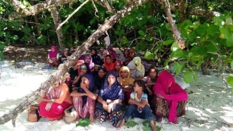 Rohingya Muslims on the island (Social Media)
