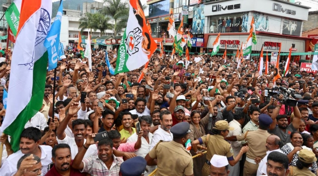 A huge crowd gathered at Rahul Gandhi's roadshow
