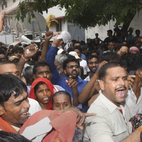 People shout slogans against Bihar Chief Minister Nitish Kumar during his visit to Shri Krishna Medical College and Hospital (SKMCH) to review the situation prevailing due to Acute Encephalitis Syndrome (AES) in Muzaffarpur (IANS)