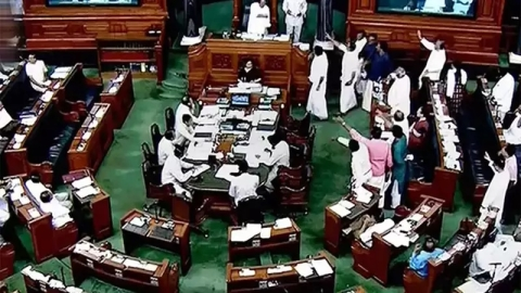 Congress again raises Kashmir mediation issue in Lok Sabha; demands answer from PM Modi