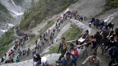 Amarnath Yatra suspended due to blockade of Jammu-Srinagar highway