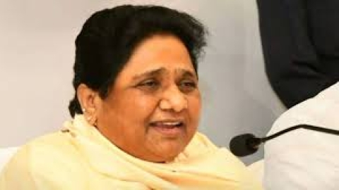 Mayawati mocks Modi, says 'majboor' govt better for people