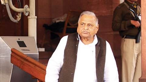 CBI & CVC contradict each other over clean chit to Mulayam Singh Yadav