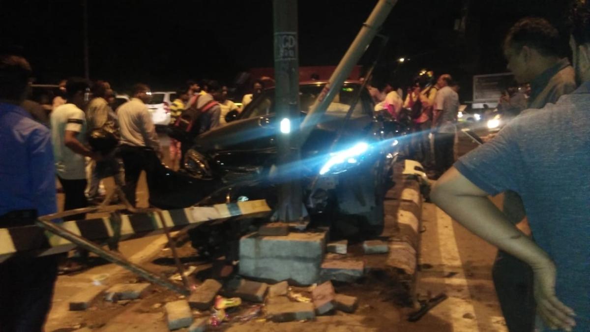 Teen rams Mercedes, injures CRPF troopers