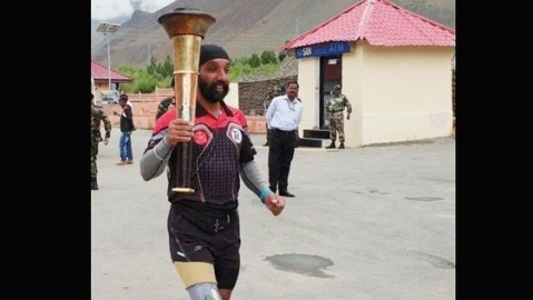 Kargil hero runs last lap with Victory Flame in Drass