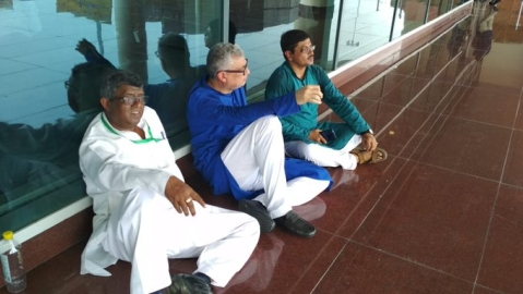 TMC delegation sits on dharna after being stopped from going to Sonbhadra