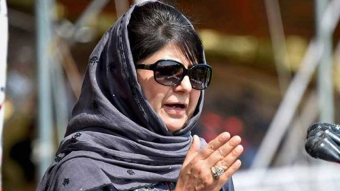 Mehbooba defends Farooq, terms ED questioning as 'brazen misuse' of agencies