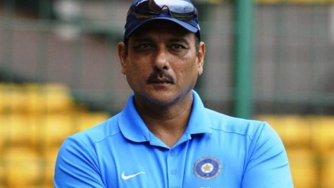 Battle over, Shastri and Hesson exchange pleasantries