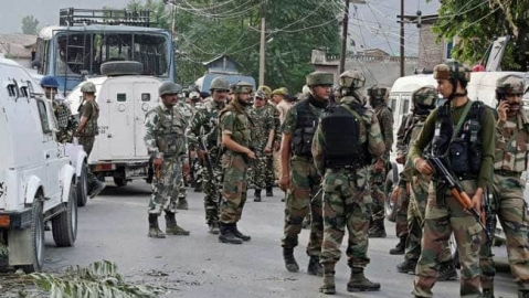 Govt moves 25,000 additional troops to Kashmir; Amarnath yatra suspended