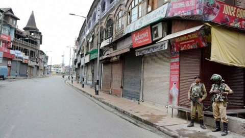 Srinagar traders estimated to have suffered Rs 1,000 cr loss