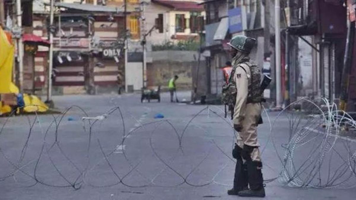 Uneasy calm, uncertainty still prevail in Kashmir