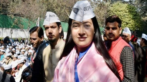 AAP's Alka Lamba to resign from party