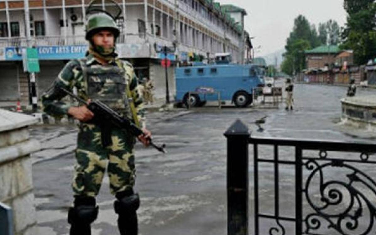Editors Guild concerned at communication restrictions in Kashmir