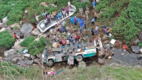 7 children feared dead after bus falls into gorge in Tehri Garhwal, Uttarakhand