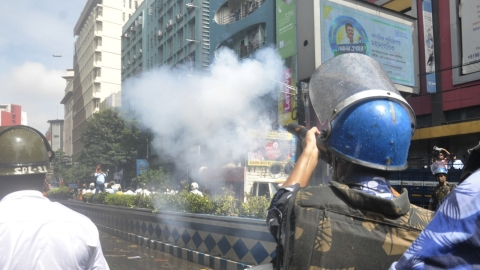 Tear gas, water canons used on Left protesters in Kolkata