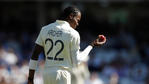 Ashes: England nose ahead after Archer heroics