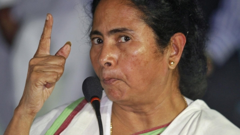 PM Modi should talk to experts and political parties to tide over economic crisis, says Mamata Banerjee