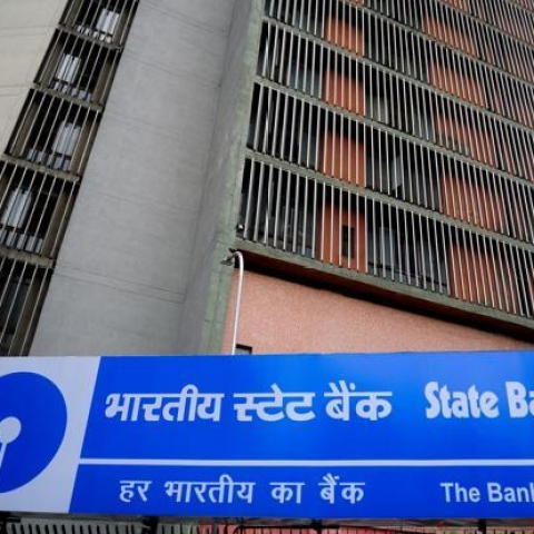 Who are the 220 defaulters whose ₹76,600 Cr loans have been written off by SBI?