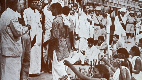 Ahmedabad's textile mill owners and workers both rallied around Gandhi on his return from South Africa