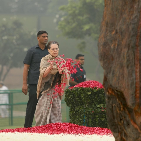 Congress President Sonia Gandhi pays floral tribute to former prime minister Indira Gandhi on her death anniversary at Shakti Sthal, in New Delhi, Thursday, October 31, 2019 (NH Photo by Pramod Pushkarna)