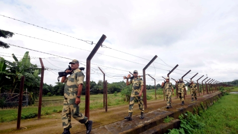 BSF troops patrolling India-Bangladesh border