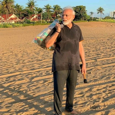 PM Modi at Mamallapuram beach (Photo courtesy: social media)