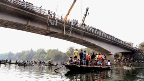 One killed, 11 injured as truck falls into river in West Bengal