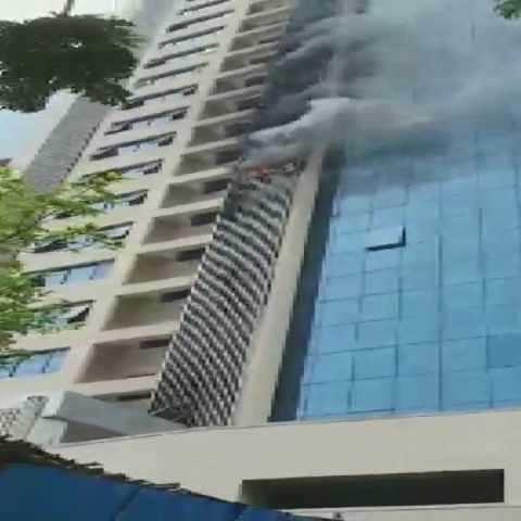 LIVE news updates: Fire breaks out at a commercial building in Andheri, Mumbai