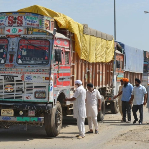 Non-local truck drivers given protection in Kashmir