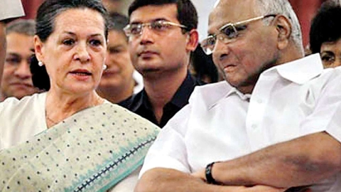 Sharad Pawar meets Sonia Gandhi, says BJP has responsibility to form govt in Maha
