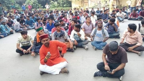 Appointment of Muslim  in BHU's Sanskrit department opposed by ABVP and students